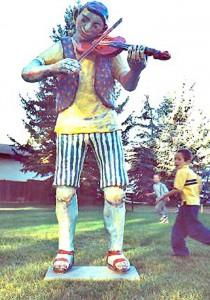 Fiddler 2003 Fibreglass & Acrylic 220 x 117 x 104 cm